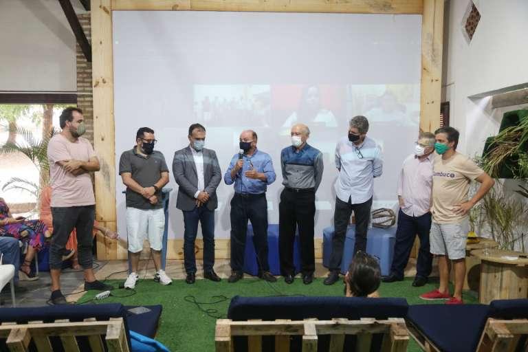 Plataforma Revive Negócio é lançada em evento híbrido no Cumbuco